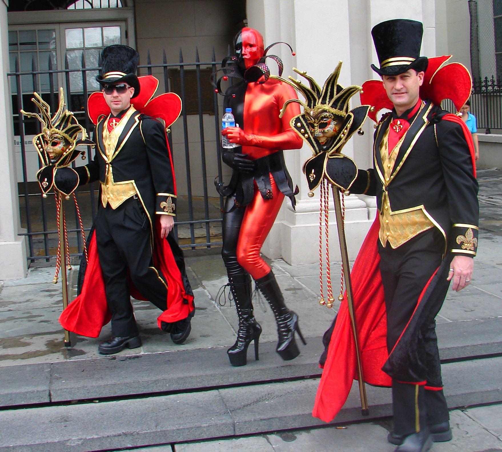 File Black And Red Costumes Mardi Gras In Jackson Square Jpg  sc 1 th 213 & Best Mardi Gras Costumes | Best in Travel 2018