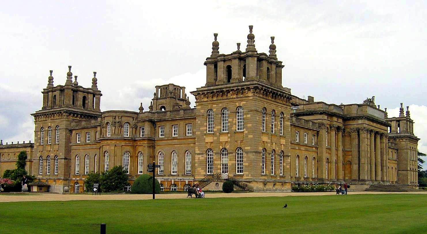 Blenheim palace image for Blenheim builders