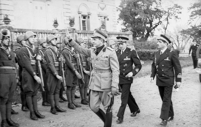 File:Bundesarchiv Bild 101II-MW-6268-06A, Frankreich,         Italienische Offiziere und Soldaten.jpg