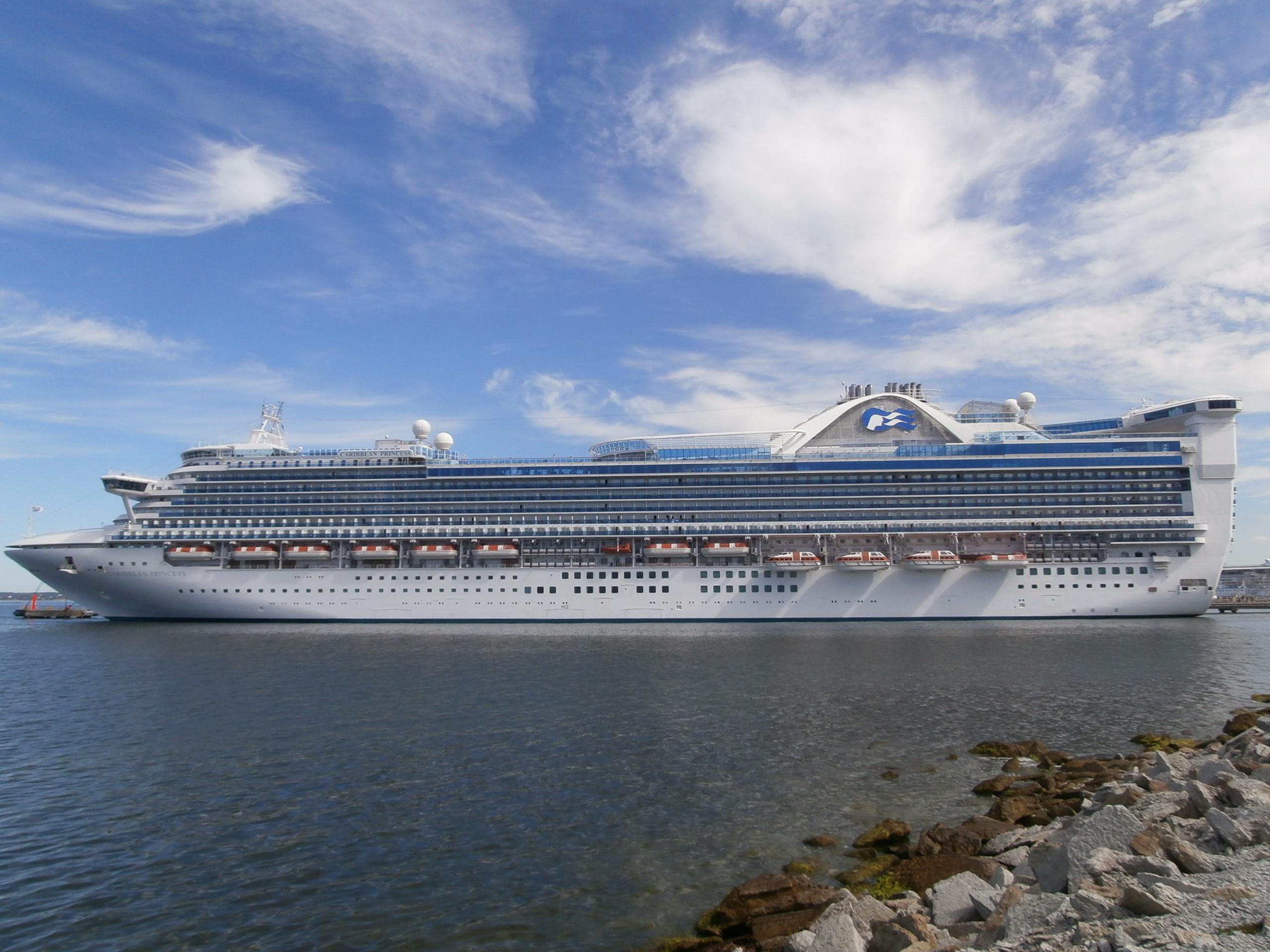 FileCaribbean Princess Port Side Tallinn 10 August