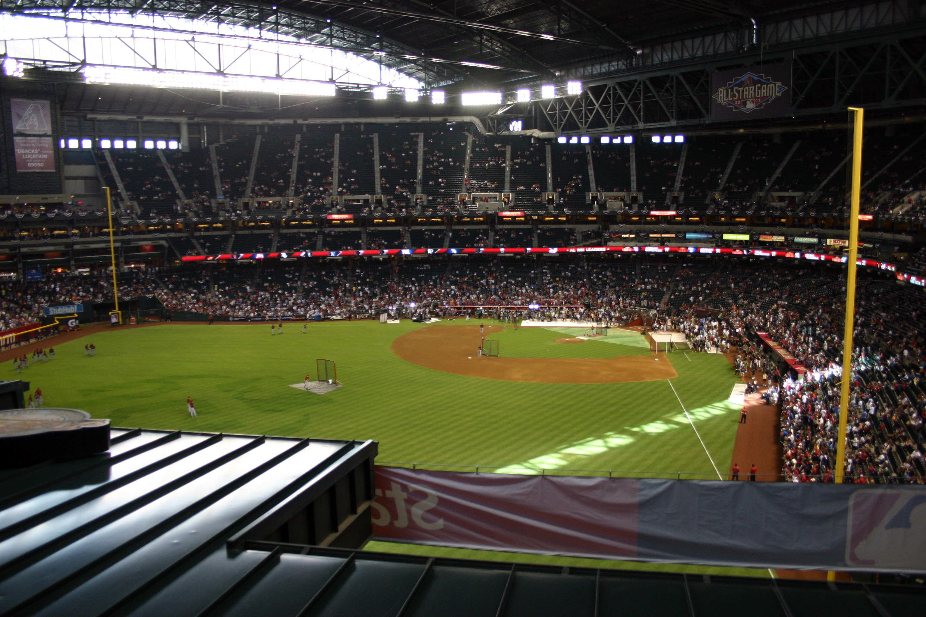 Chase_Field_-_2011-07-11_-_Interior_Sout