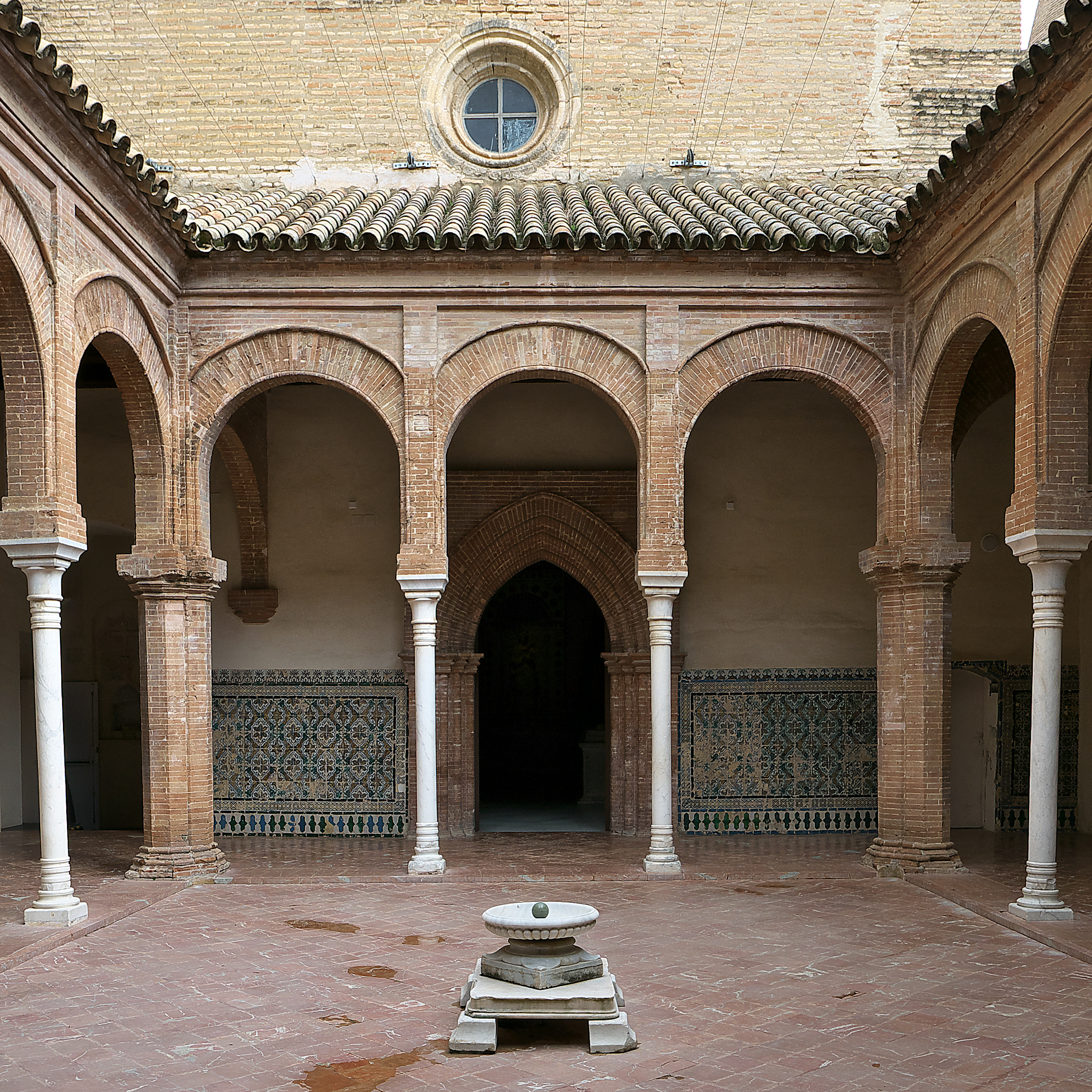 File claustro de la cartuja de wikimedia commons for La cartuja de sevilla