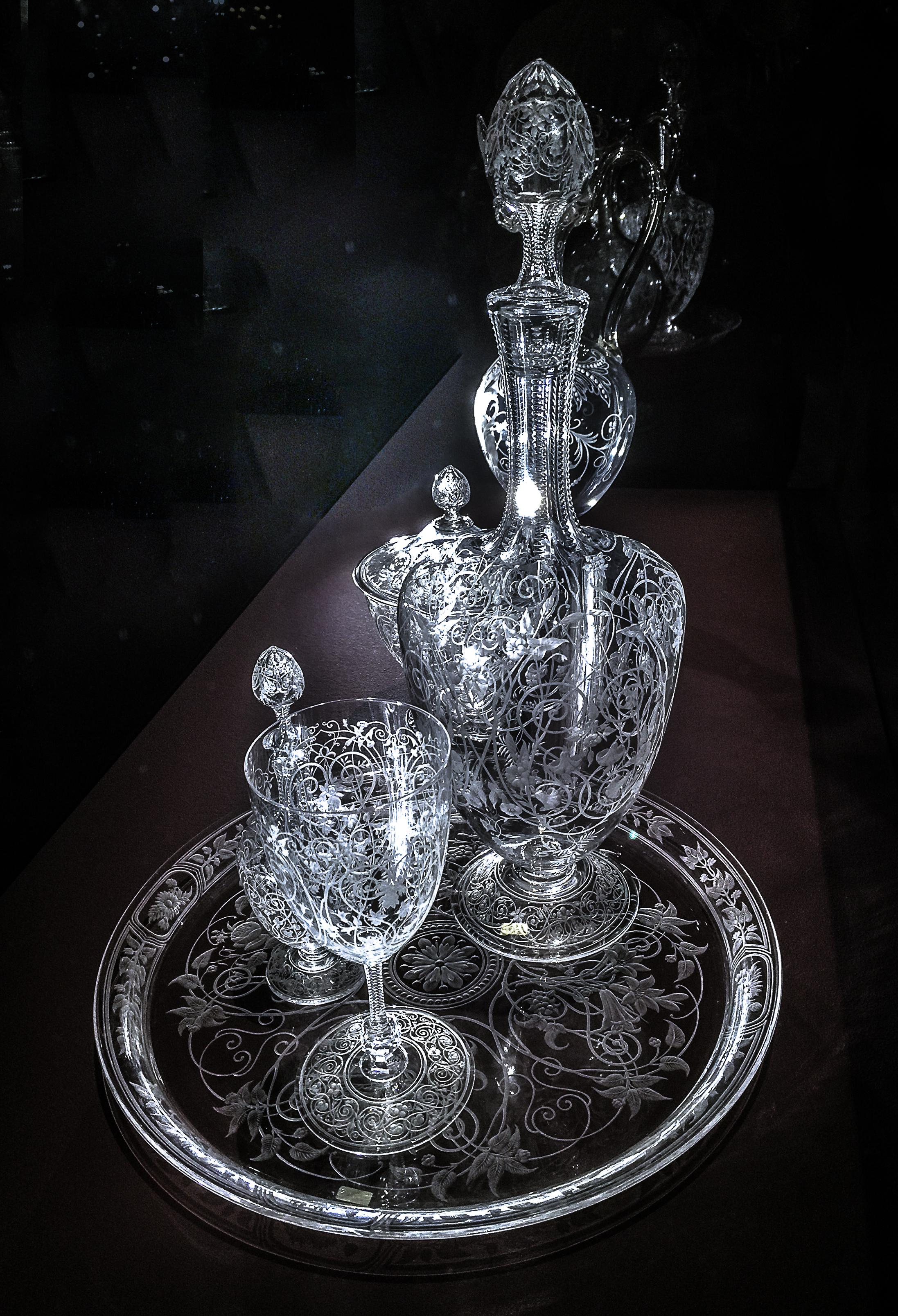 File:Exposition Baccarat au Petit Palais \u00e0 Paris, november ...
