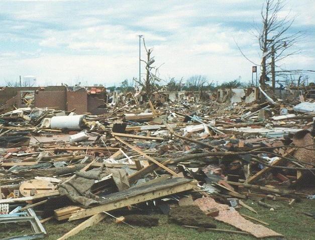 Bestand:F4 tornado damage example.jpg