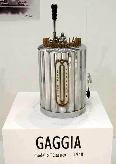 File:Gaggia - 1948.jpg