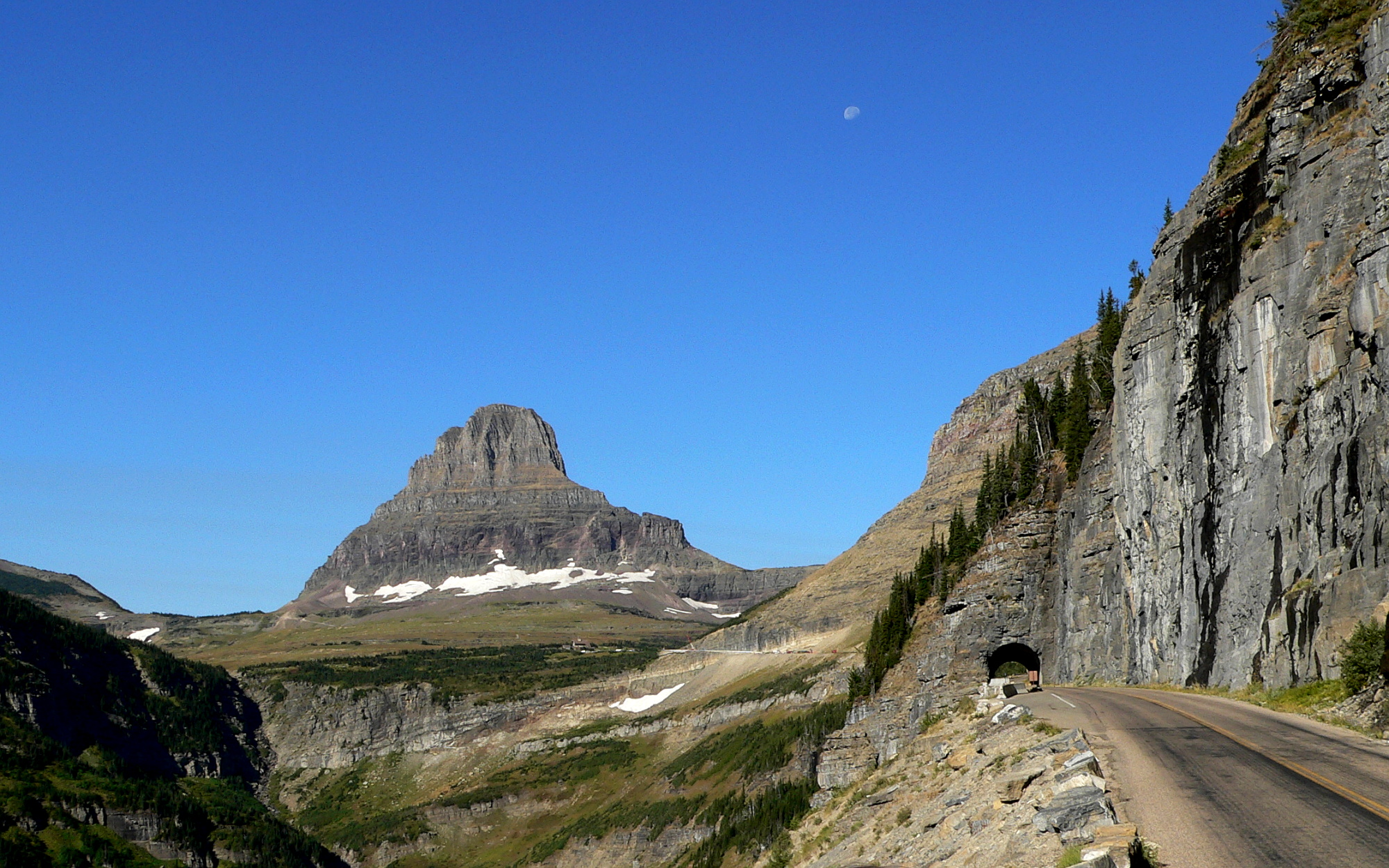 File:Going-to-the-Sun Road-27527-2.jpg