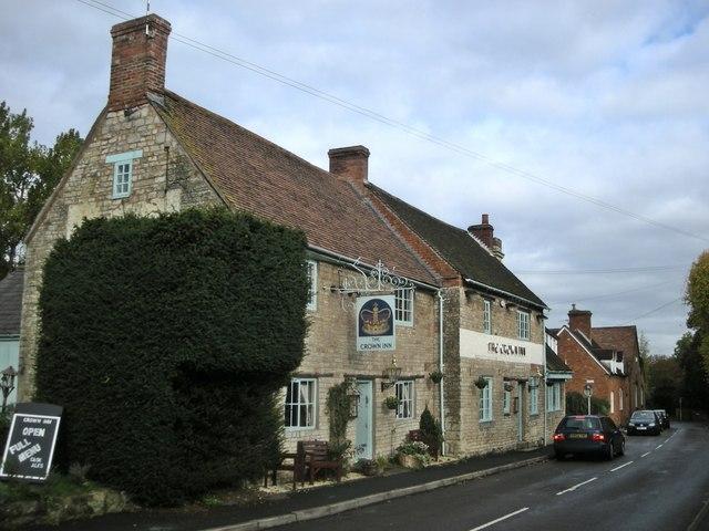 Harbury-The Crown Inn - geograph.org.uk - 2127674