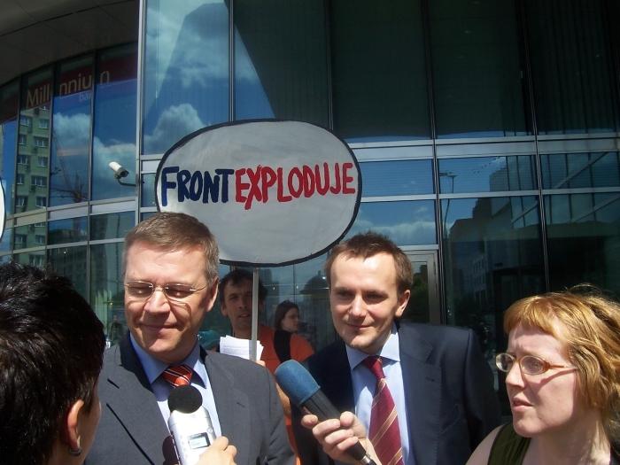 File:Ilkka Laitinen - Shut Down FRONTEX Warsaw 2008.jpg