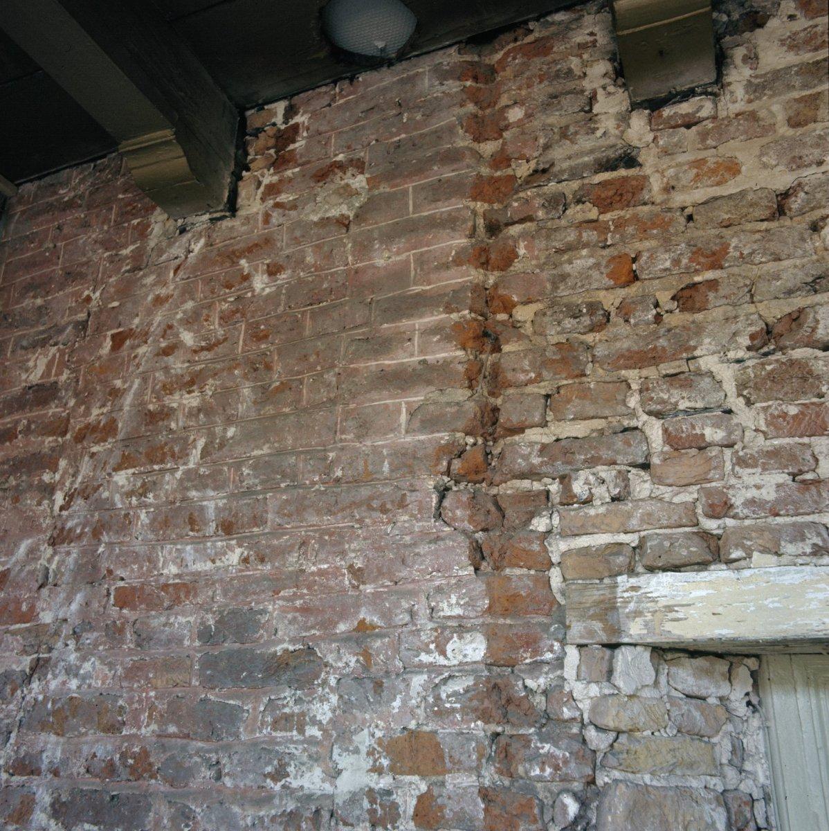File interieur muur metselwerk amersfoort 20370670 for Interieur amersfoort