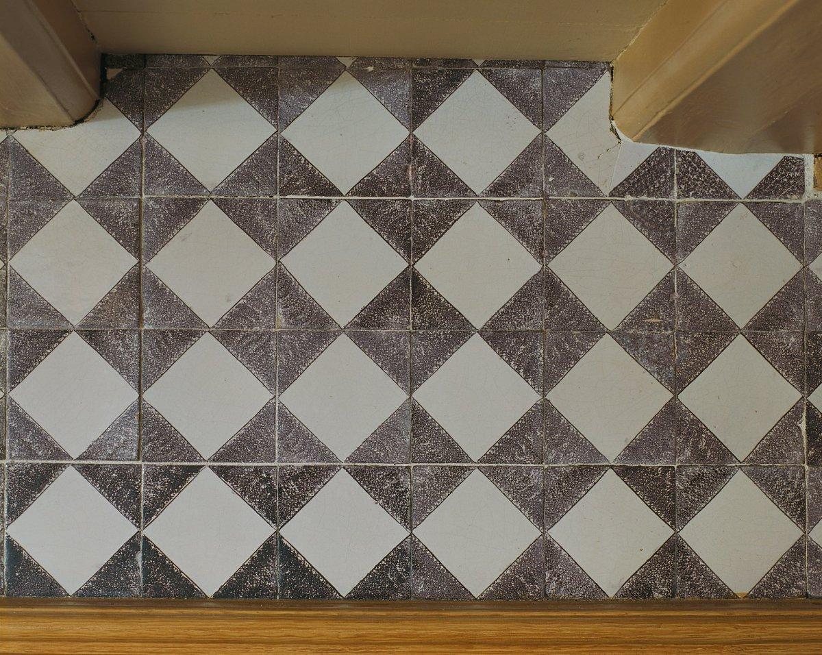 Keuken Beige Tegels : File interieur keuken tegels tegen schouw na restauratie detail