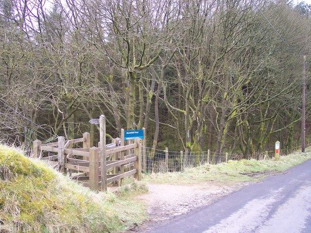 Kissing Gate and Finger Post for Trentabank - geograph.org.uk - 751174