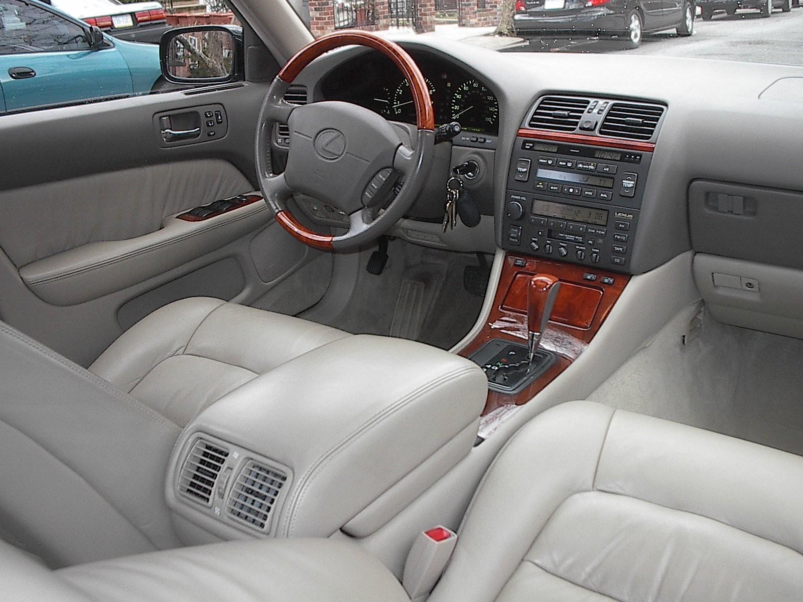 File:Lexus LS 400 model year 2000 interior.jpg - Wikimedia ...