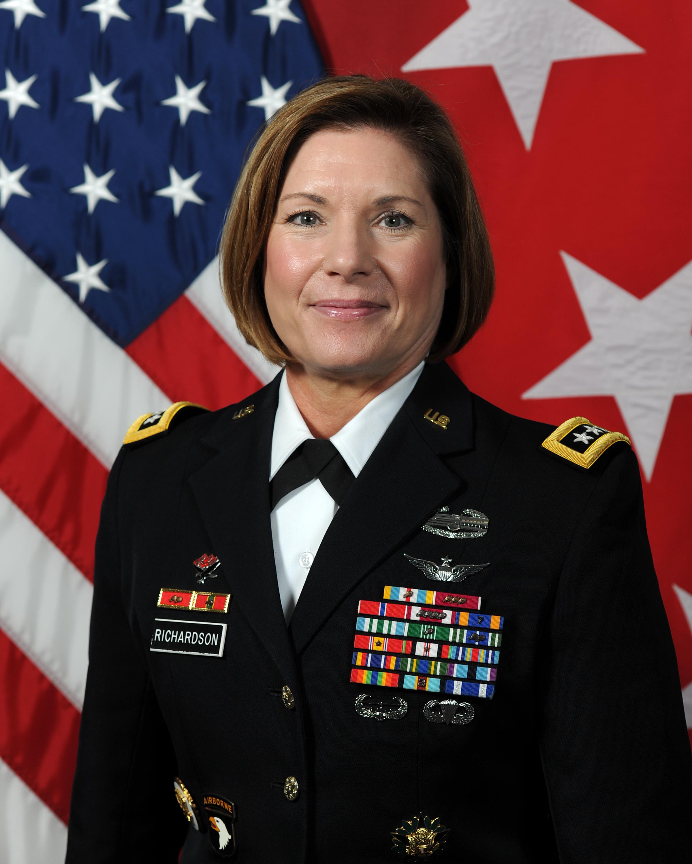 Laura J. Richardson - Wikipedia