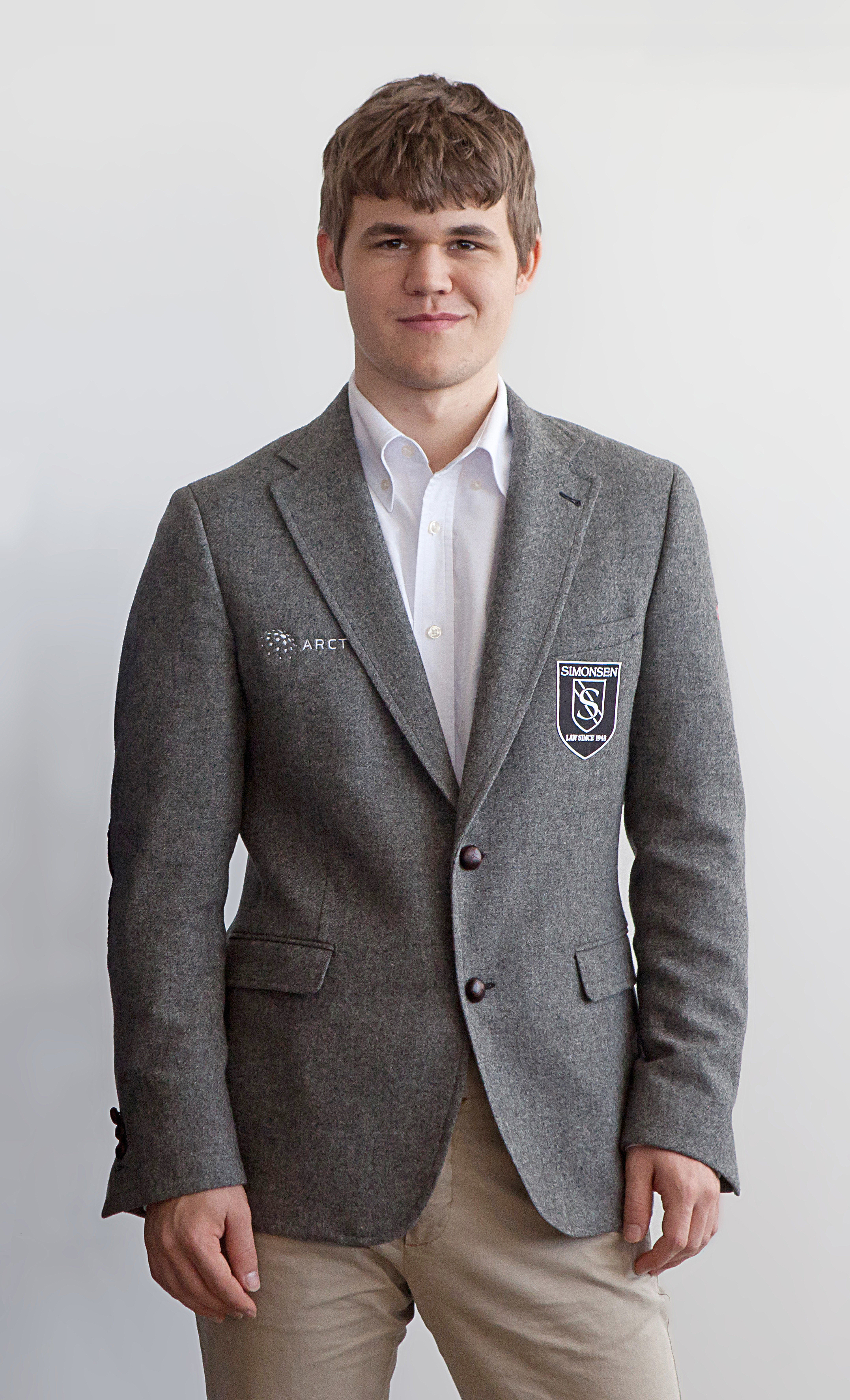 Magnus_Carlsen_(2012).jpg