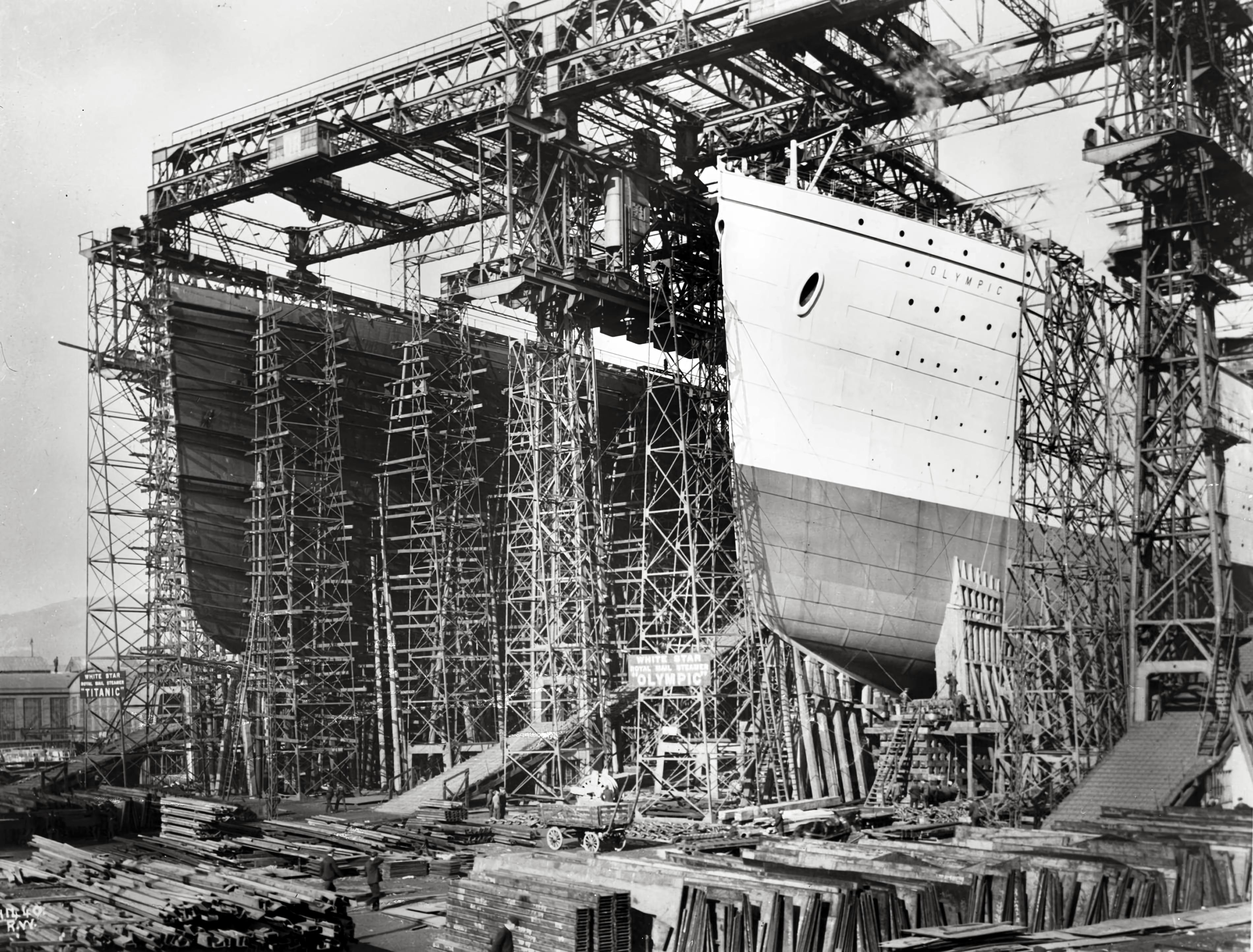 Olympic_Titanic_Belfast.jpg