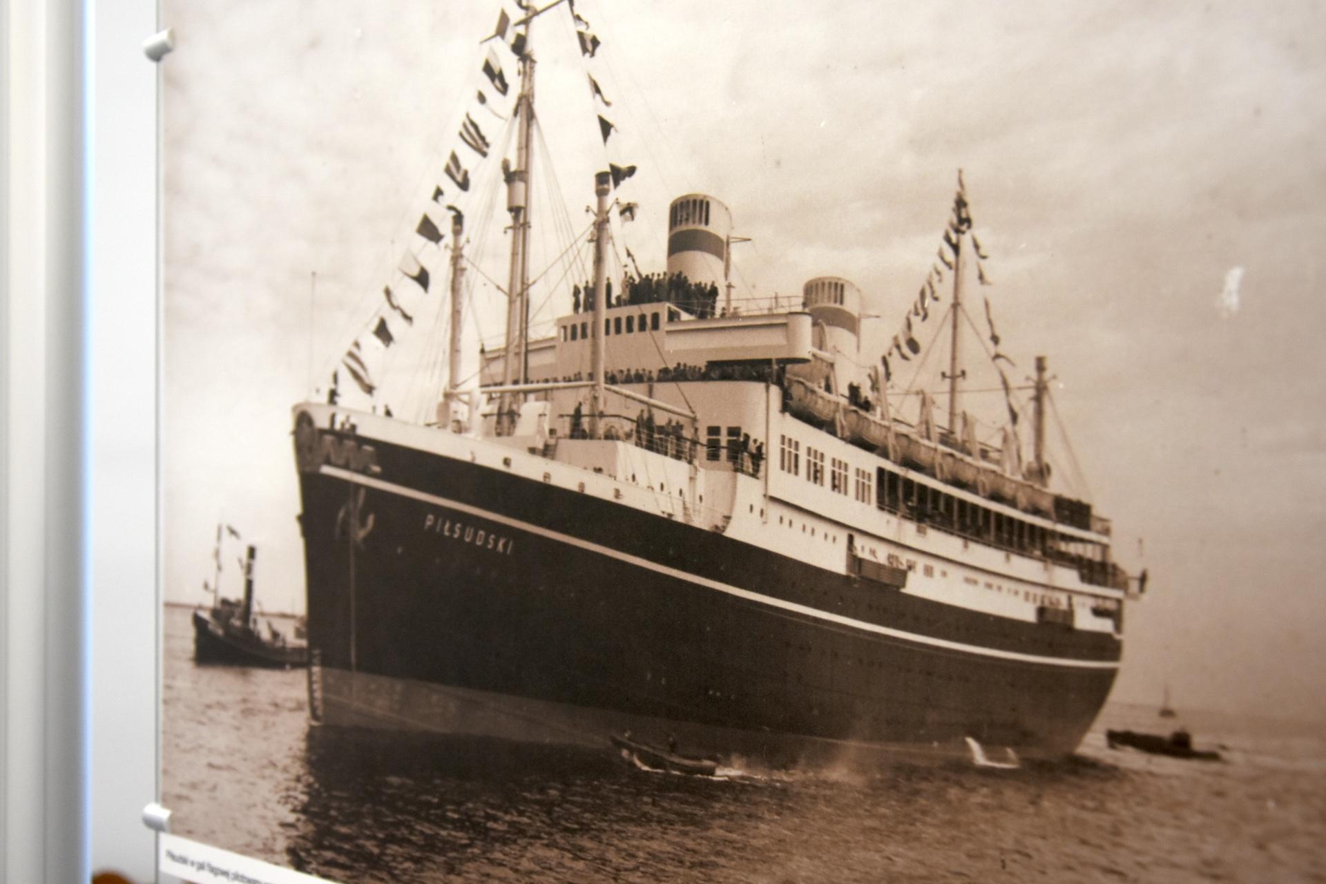 Otwarcie_wystawy_Port_Gdynia_-_Sztandaro