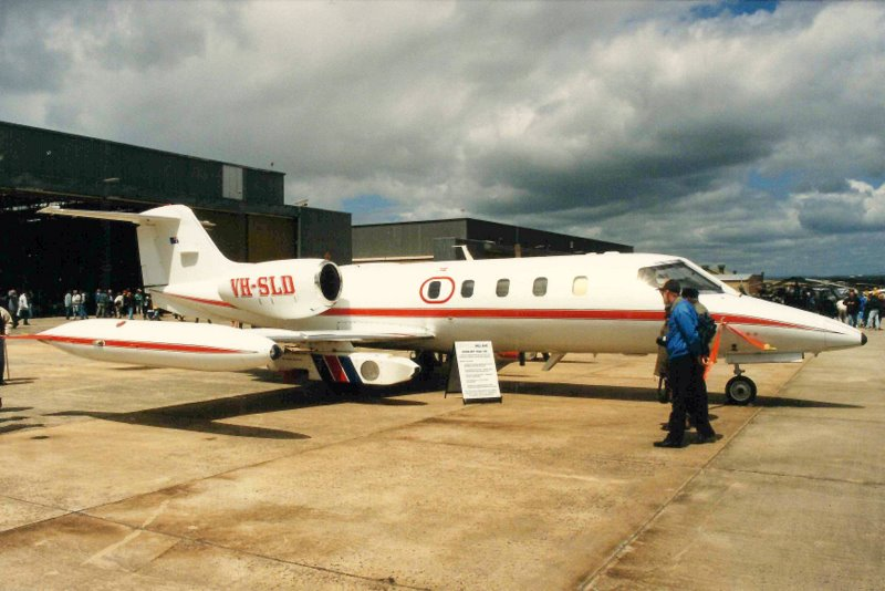File:Pel-Air Gates Learjet 35A (VH-SLD), modified for use as a target tug.jpg