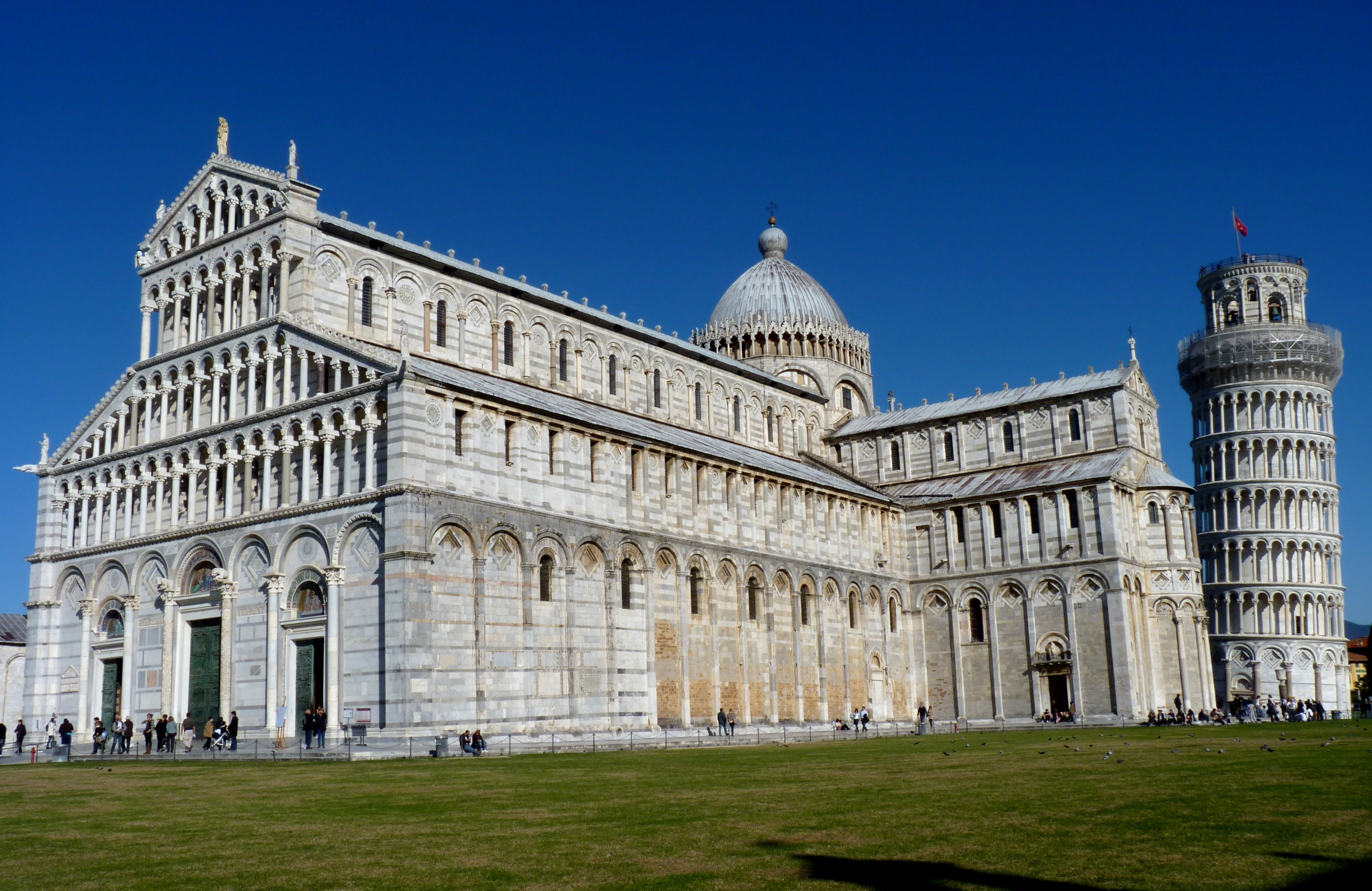 File:Piazza dei Miracoli - The Cathedral and the Leaning Tower in ...