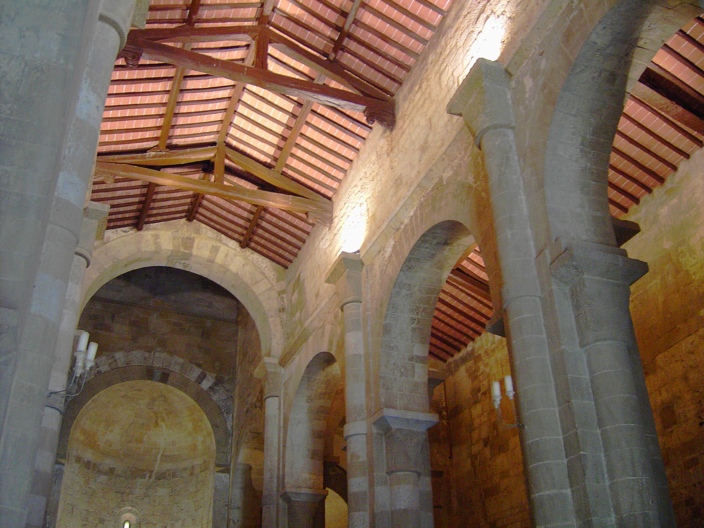 Pieve di San Giovanni Battista a Ponte allo Spino, interno