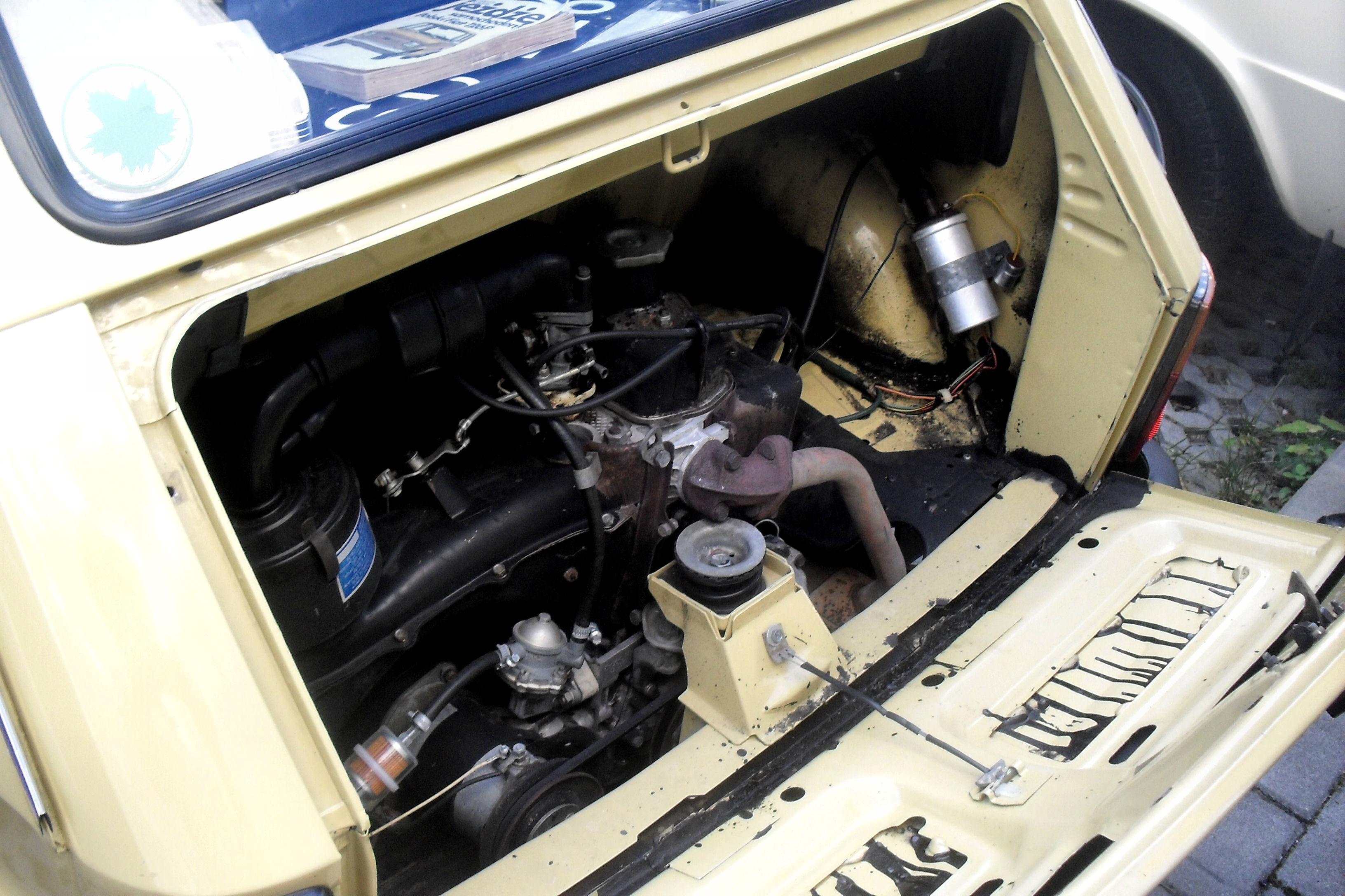 File Polski Fiat 126p 650e 1984 Engine Bay Jpg
