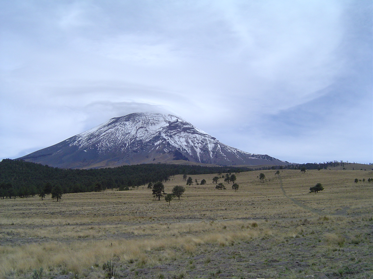 Description Popocatepetl desde paso de cortes.JPG
