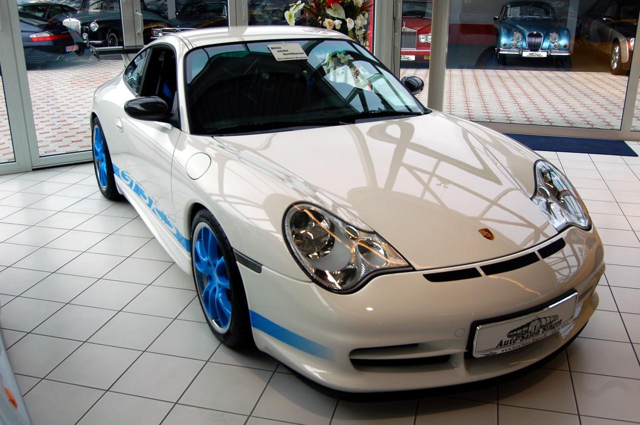 Ficheiro Porsche 911 Gt3 Rs 996 2003 White Blue Jpg Wikipedia A Enciclopedia Livre