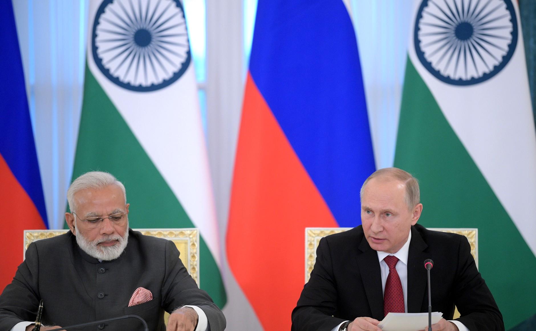 File:Prime Minister Narendra Modi and President Vladimir Putin make statements to the press following Russian-Indian talks in Saint Petersburg, 2017 (2).jpg - Wikimedia Commons