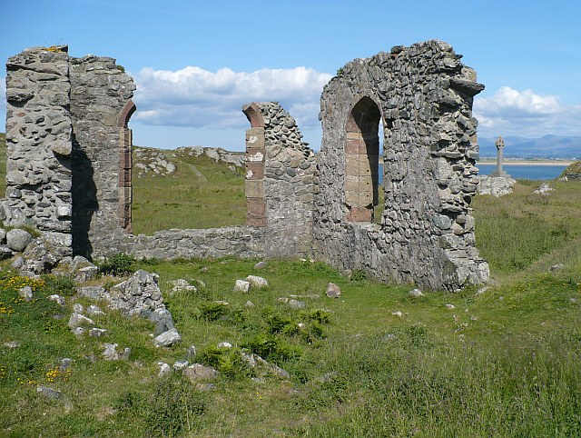 File:Ruins of Saint Dwynwen's Church - geograph.org.uk - 858103.jpg