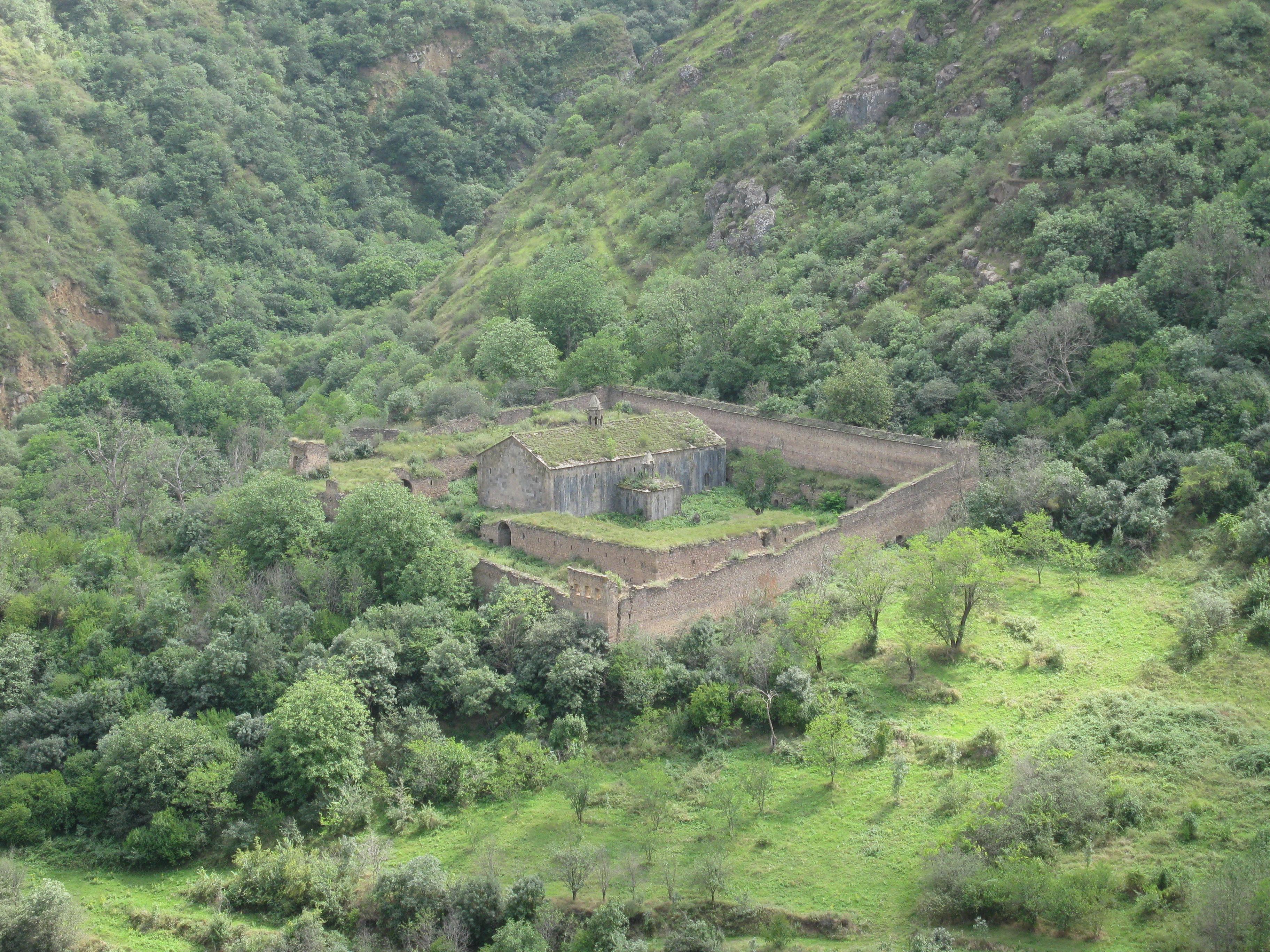 Древнеармянский языческий храм гарни