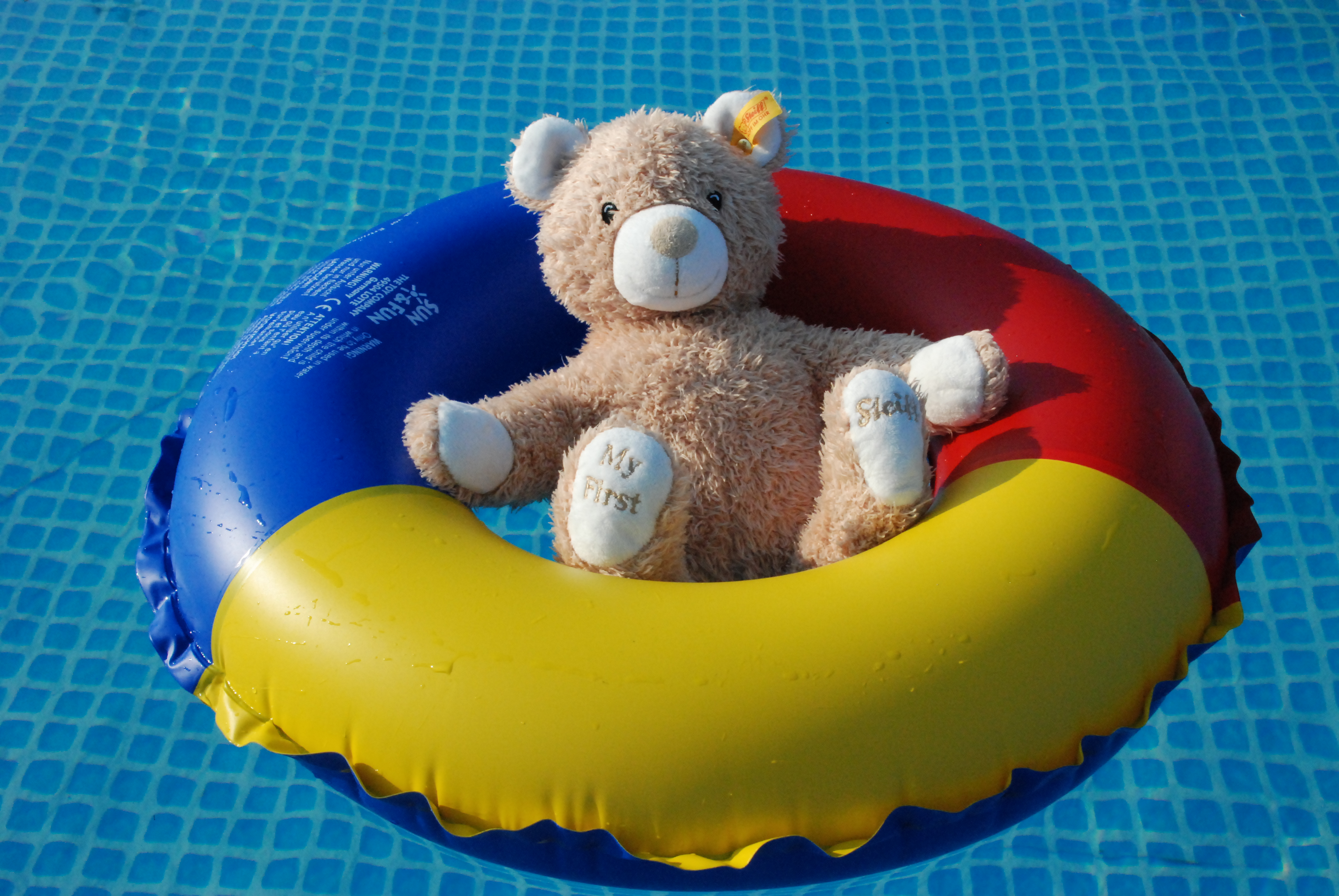 Swim ring - Wikipedia