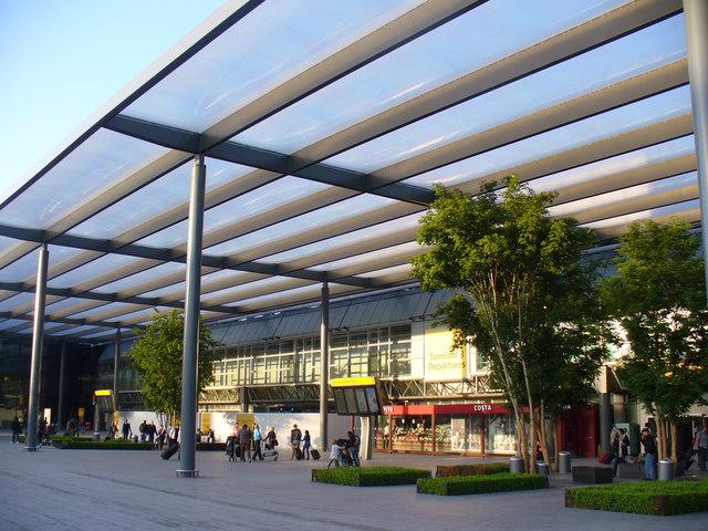 London Victoria to Heathrow Airport Terminal 3 - 8 ways to ...