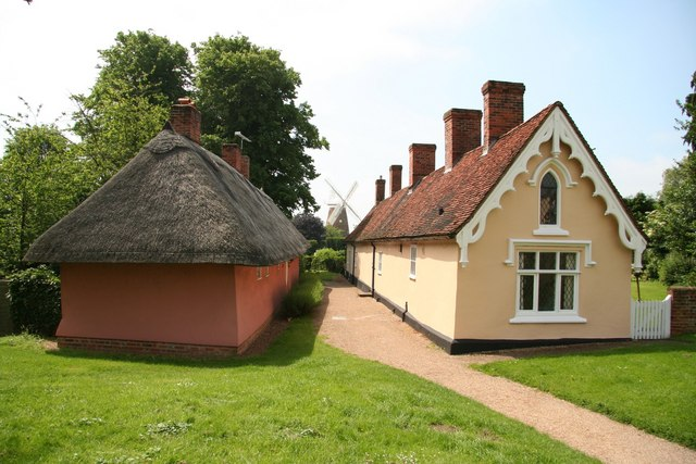 Thaxted Almshouses - geograph.org.uk - 845584