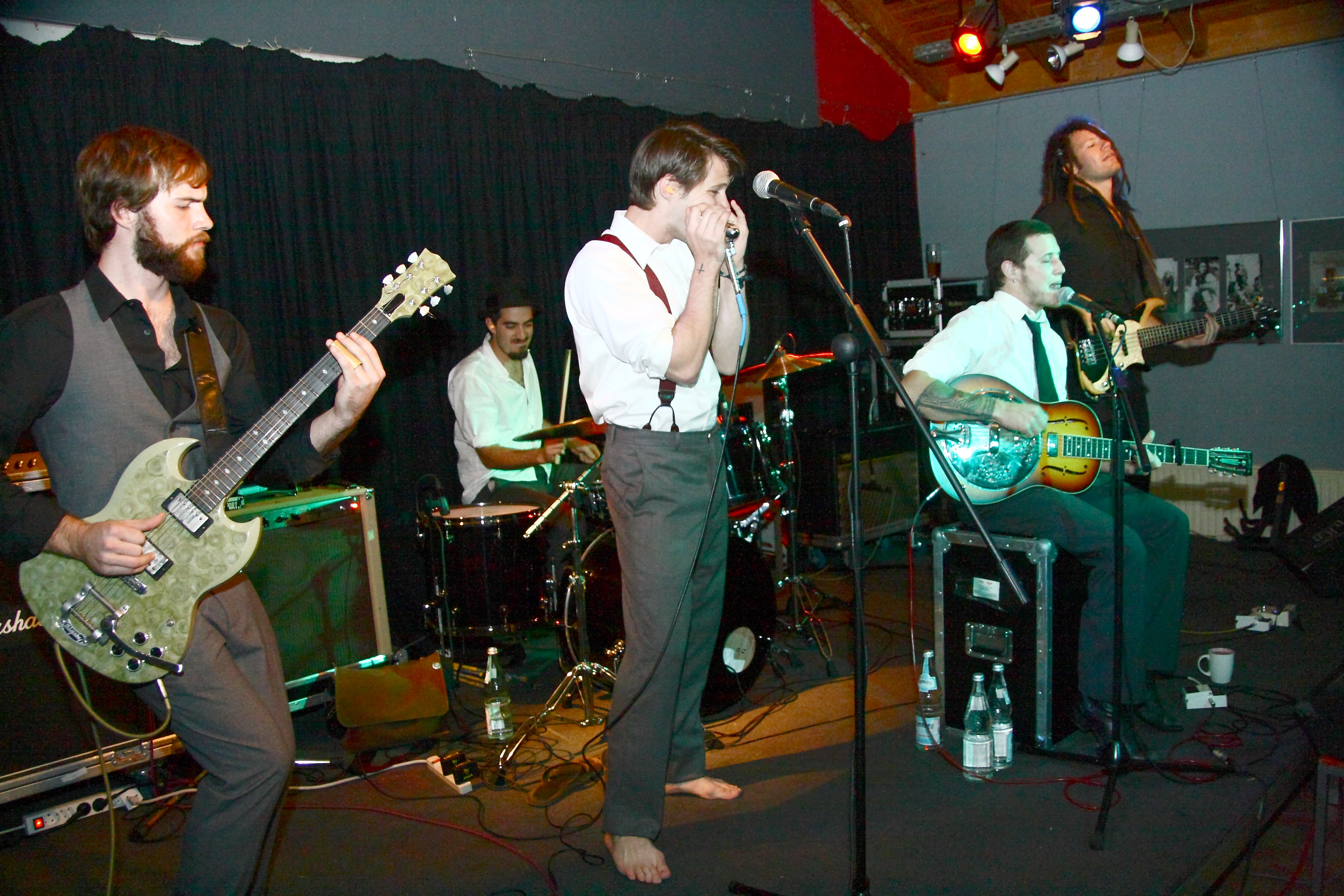 Delta Saints, The Stream
