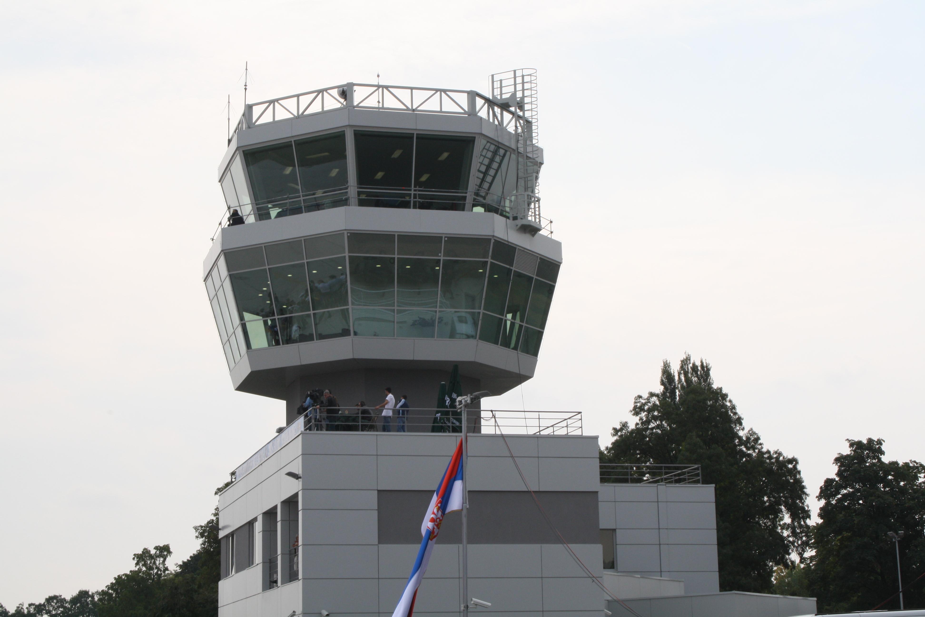 Letalska baza Batajnica
