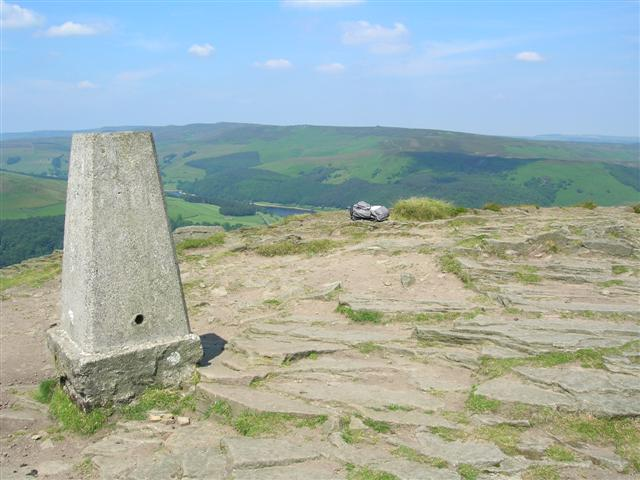 Trig point on top of Win Hill Pike - geograph.org.uk - 25842