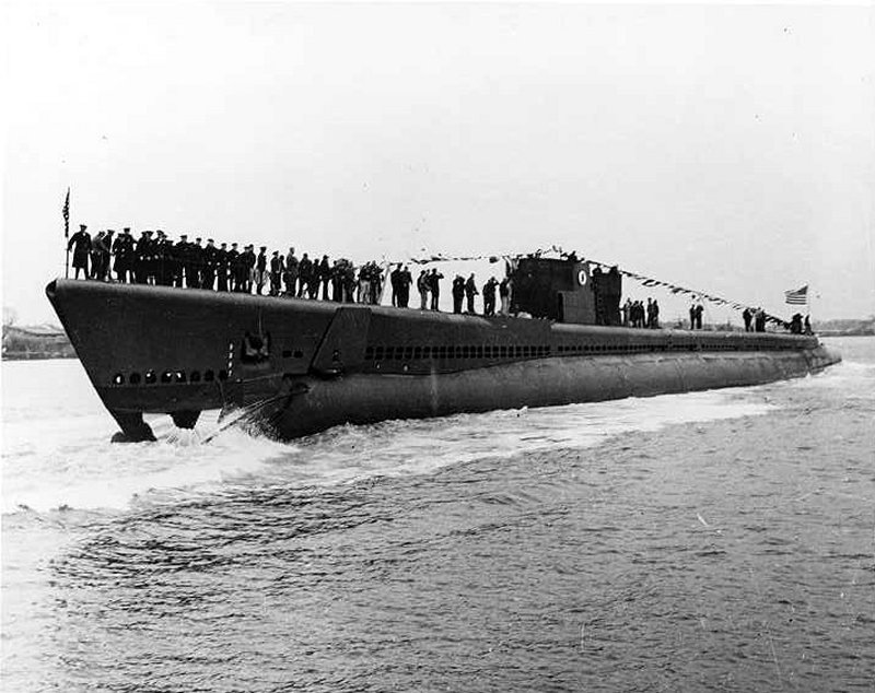 Plaice is waterborne at Portsmouth Navy Yard, following her launching on 15 November 1943.