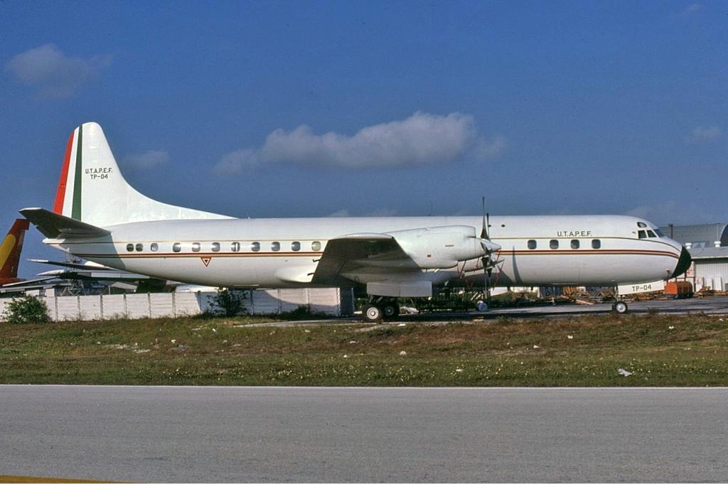 LOCKHEED L-188 ELECTRA - AIRLINER-TECH 5 - Jim Upton - 1999 PB
