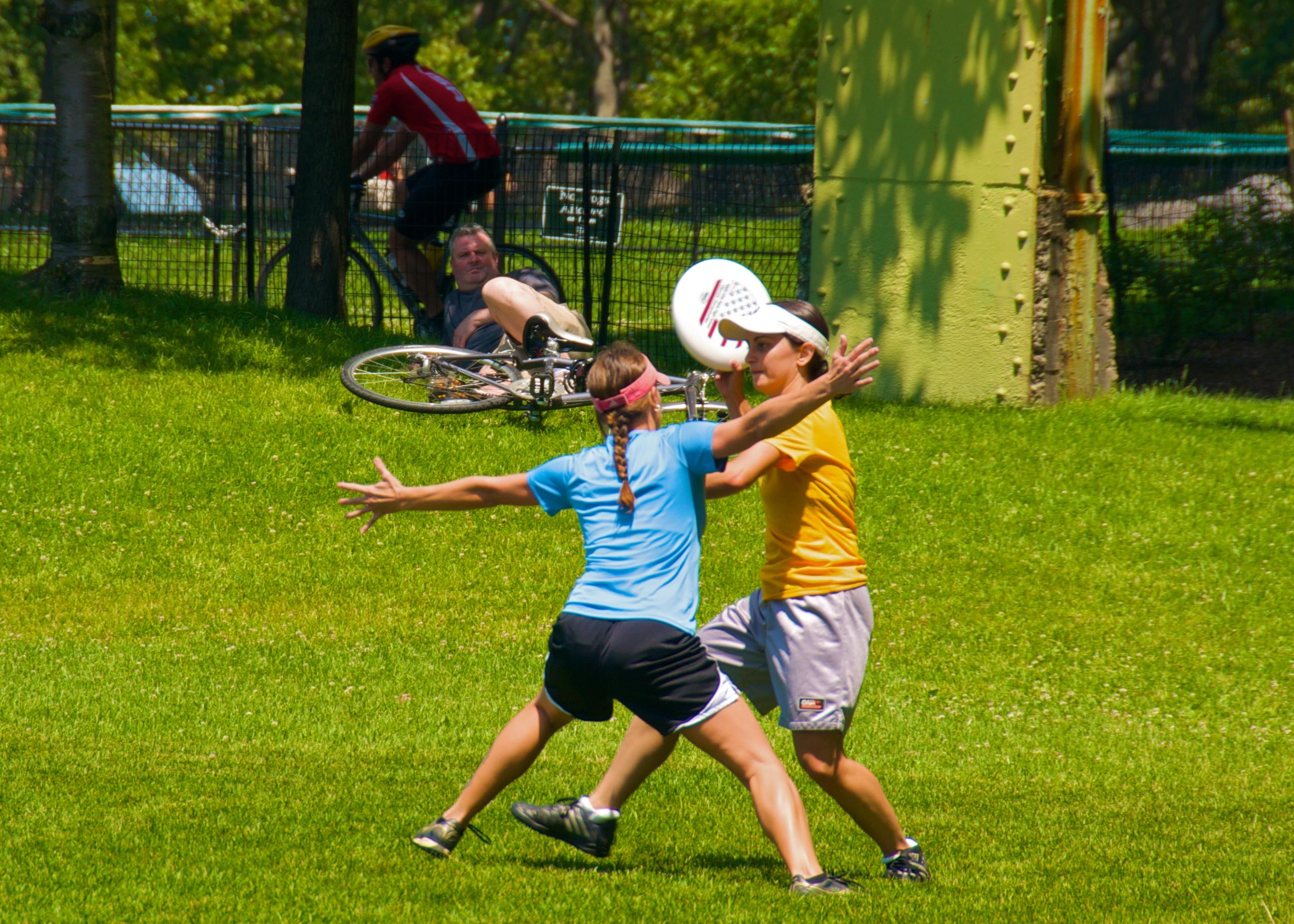 File:Ultimate Frisbee, Jul 2009 - 17.jpg - Wikimedia Commons