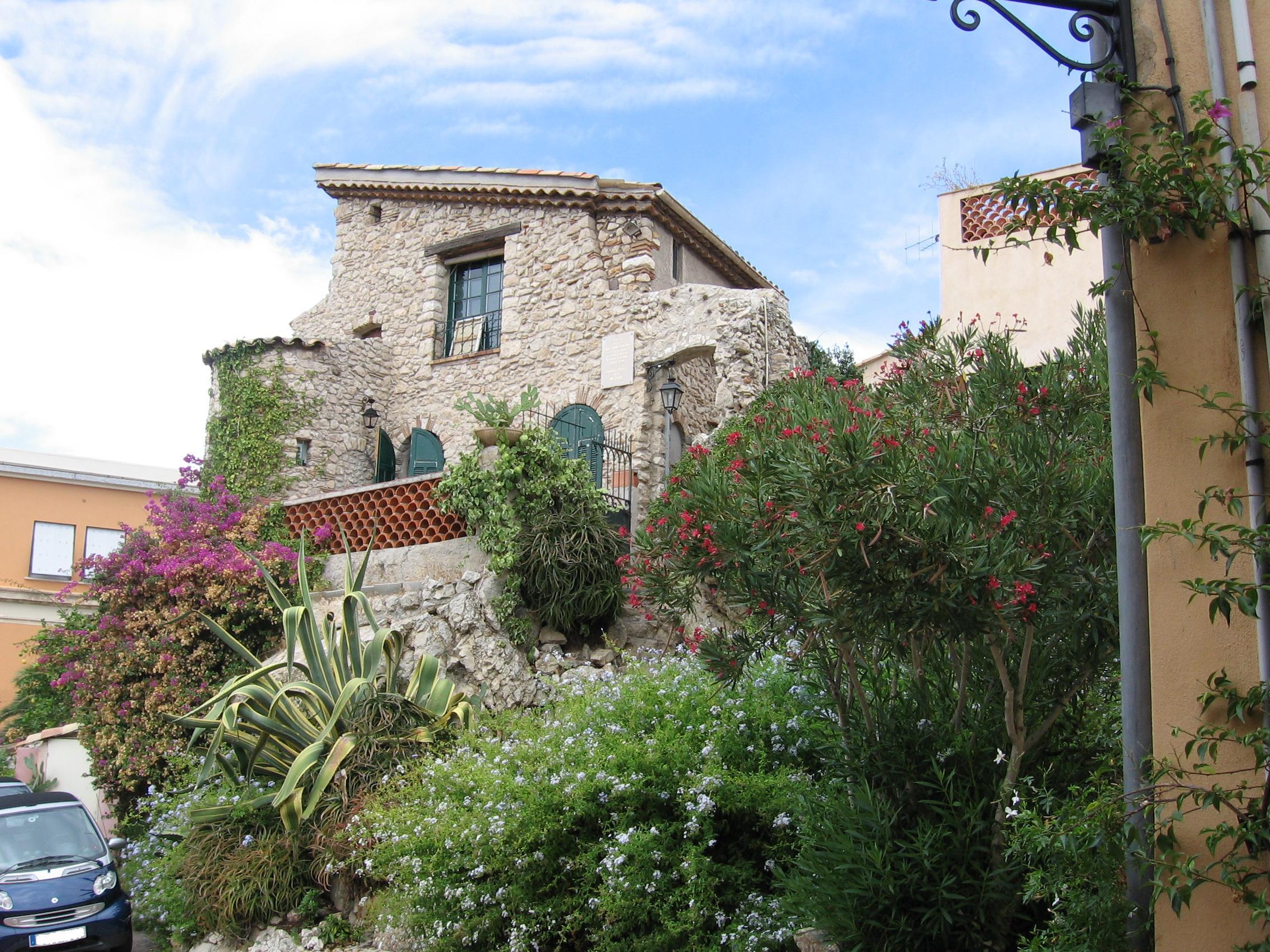File:Villa du vieil Antibes.jpg - Wikimedia Commons