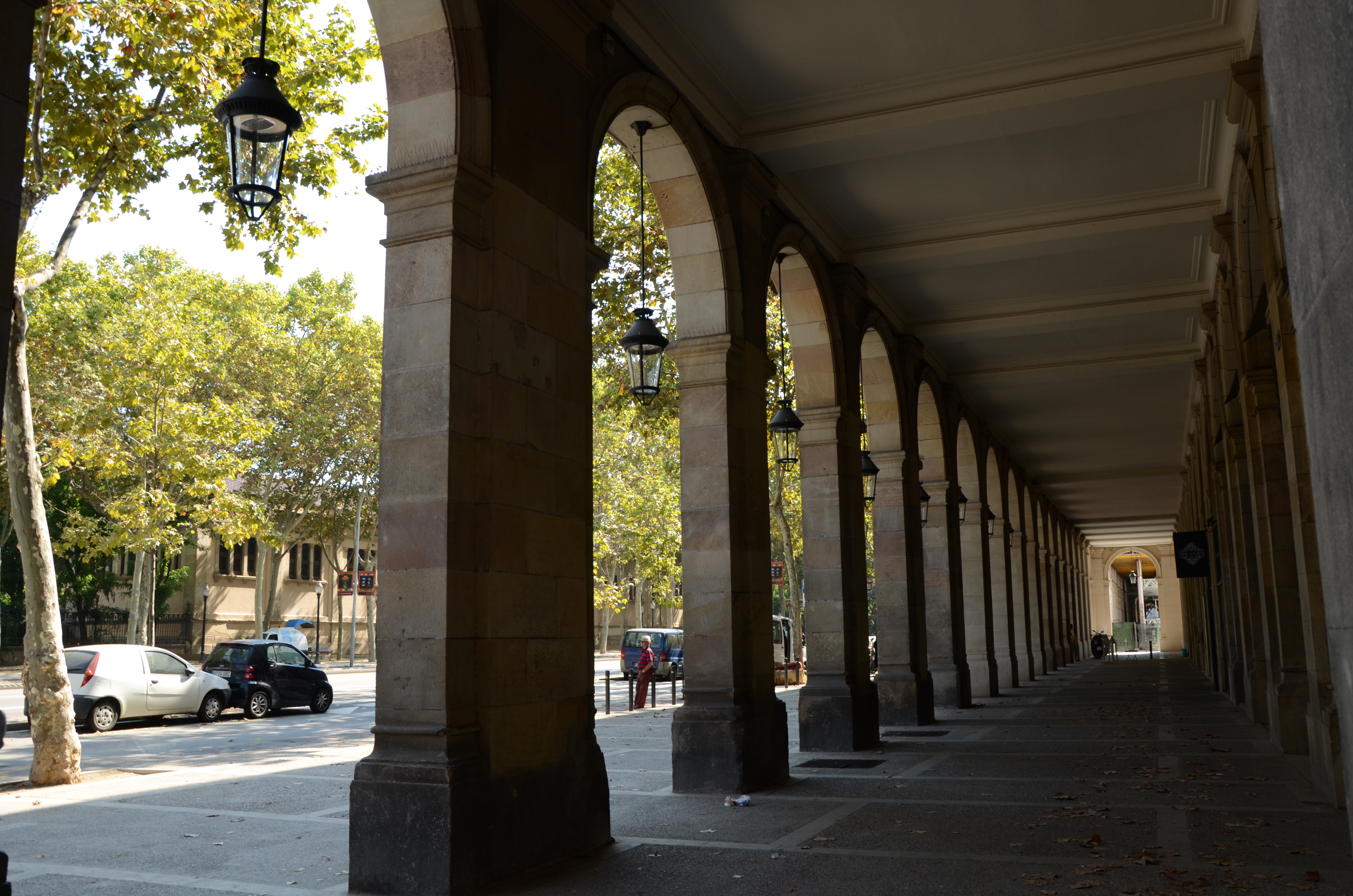 File Vista De L Edifici Del Passeig Picasso Amb Carrer Princesa Jpg
