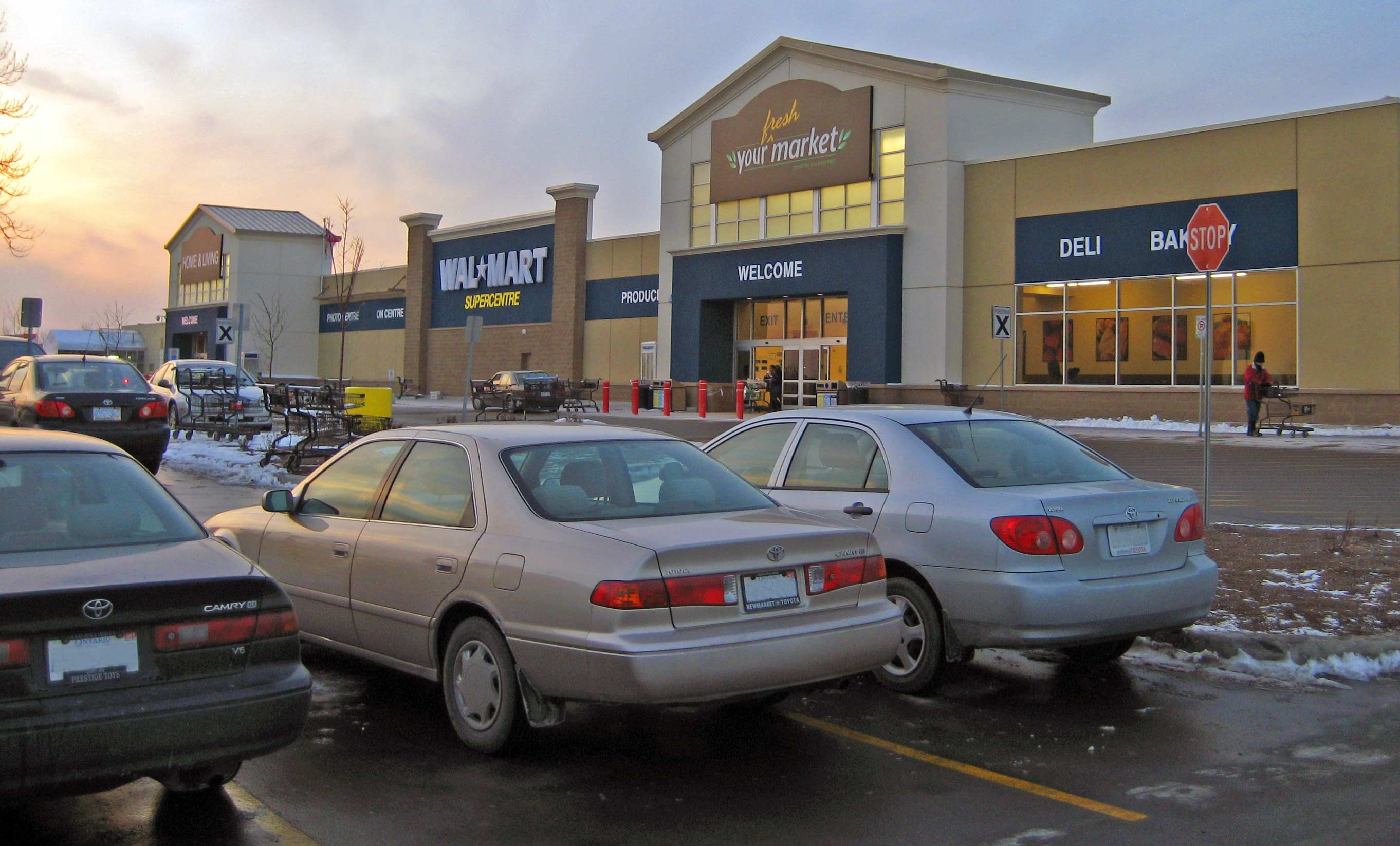 Vaughan (ON) Canada  City pictures : Wal Mart Supercenter in Vaughan, Ontario, Canada, Jan 2008 ...