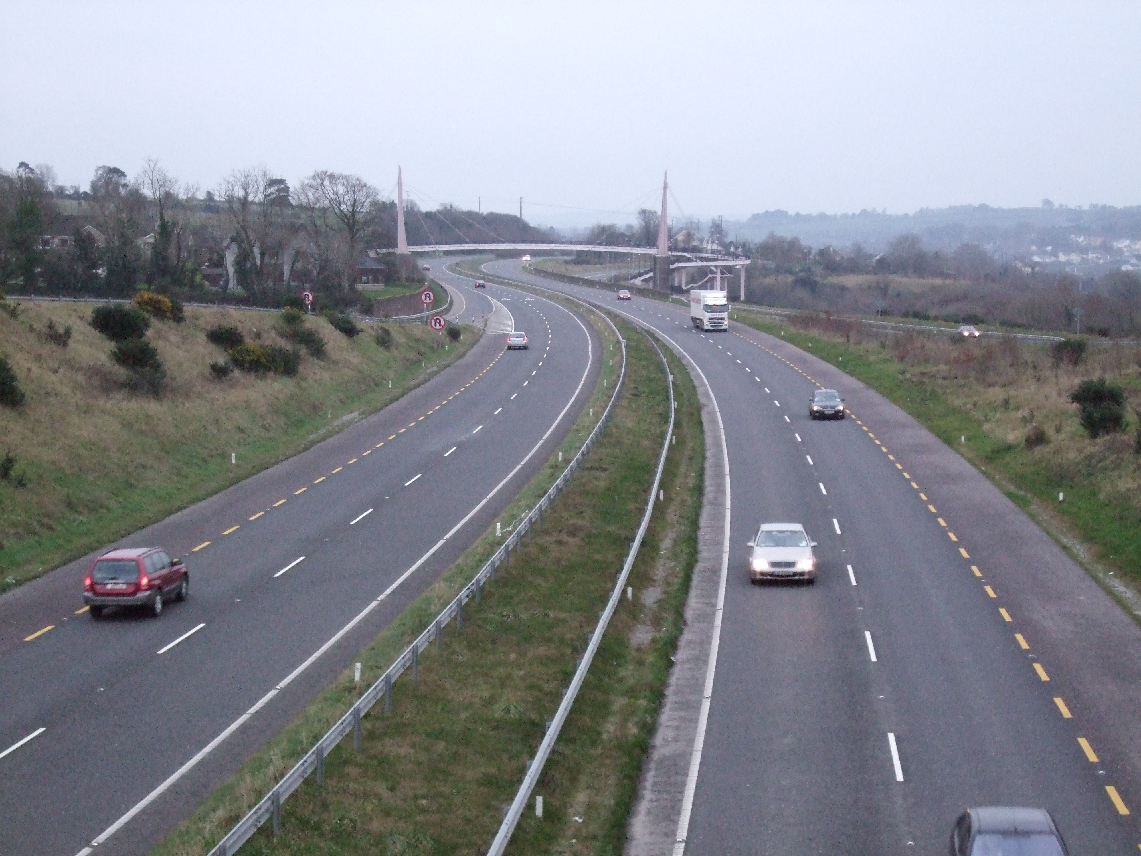 Watergrasshill to Cork - 3 ways to travel via line 245 bus, taxi