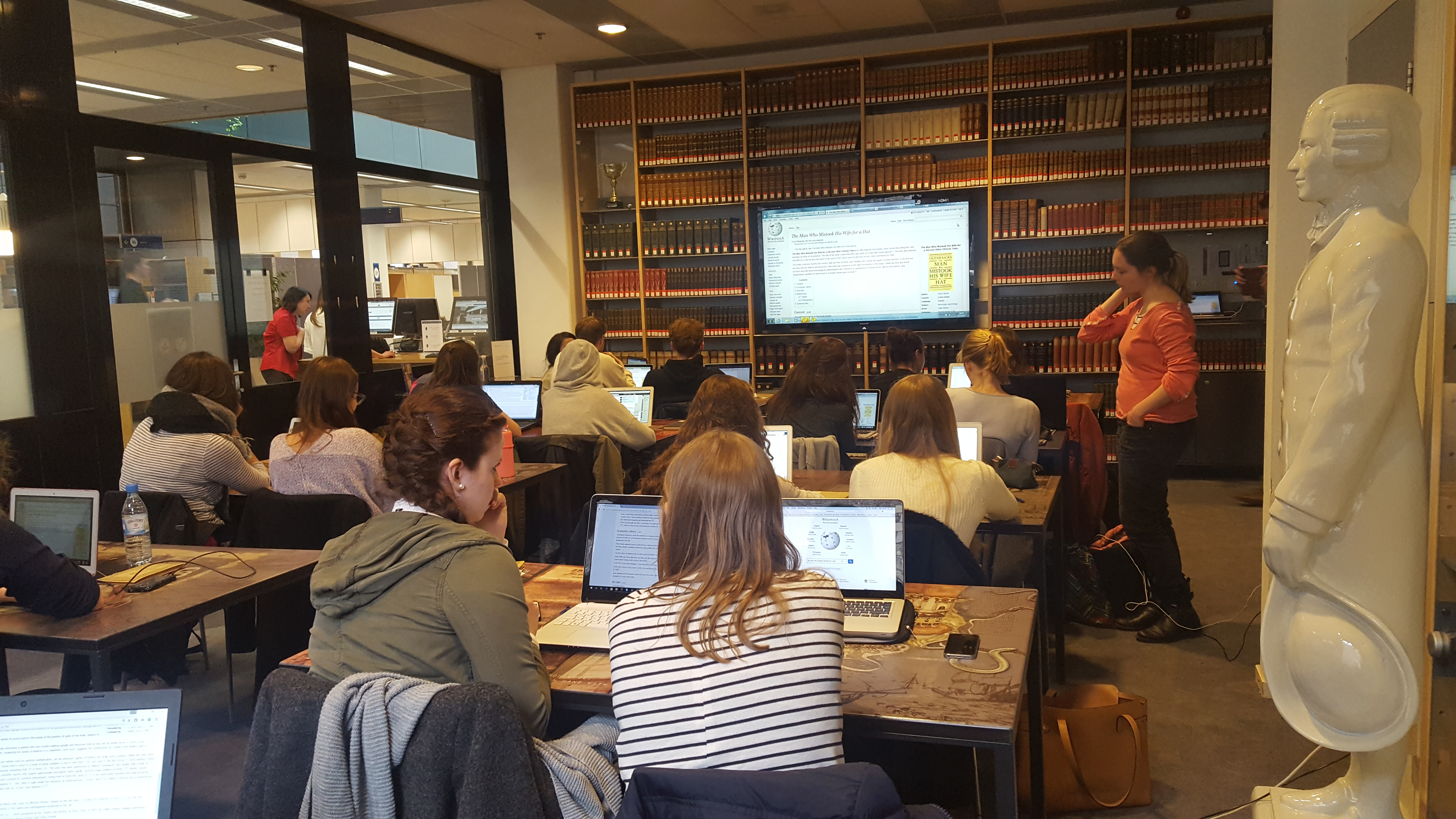 File Wikipedia Course At Maastricht University College Fpn Historical Book Review 3 May