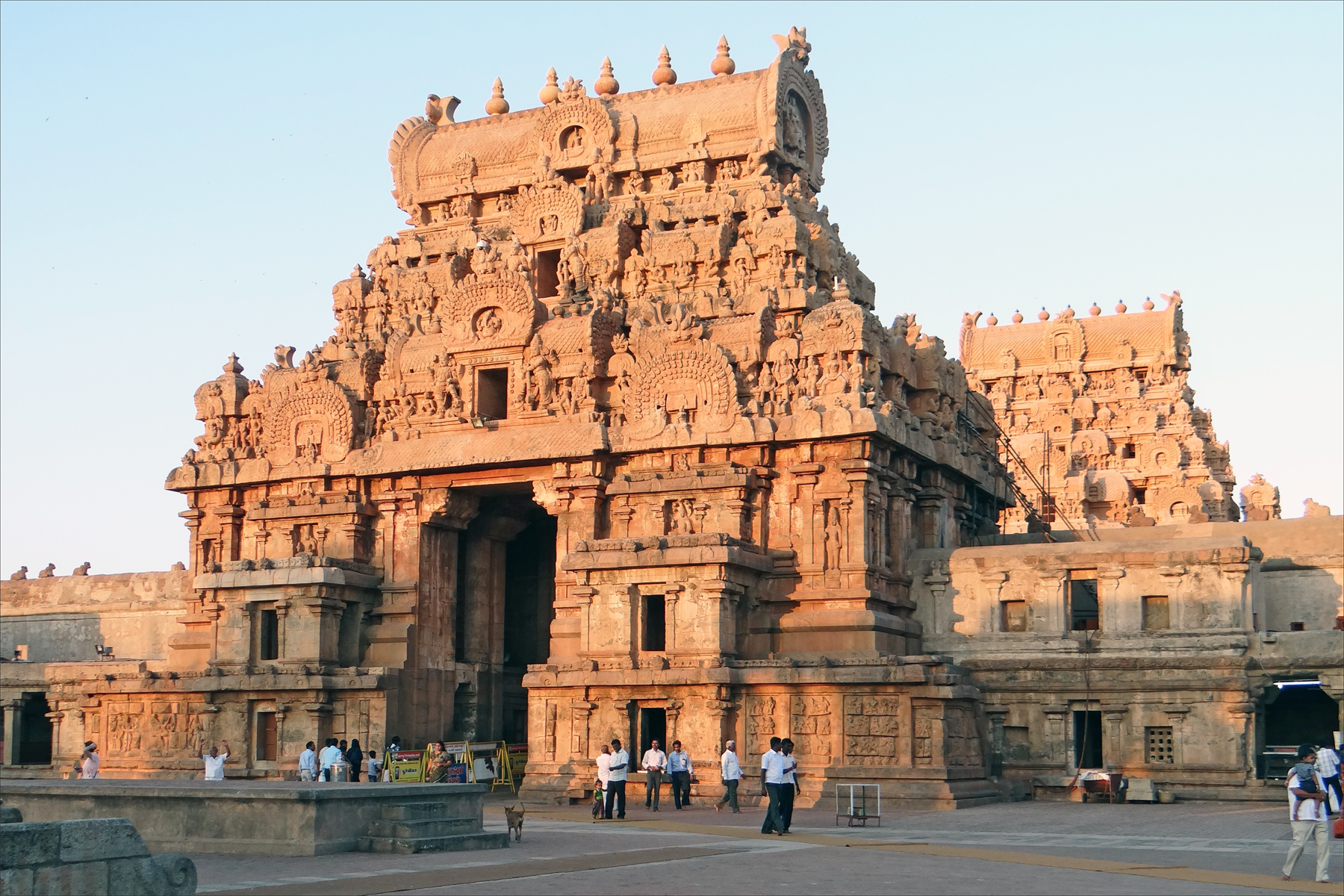 11th century Chola Thanjavur temple  built under Raja Raja Chola  It is one  of the largest temples in India  and in Tamil is called Periya Kovil  lit High Dravidian Architecture of South India  One of the Most  . Most Beautiful Architecture In India. Home Design Ideas