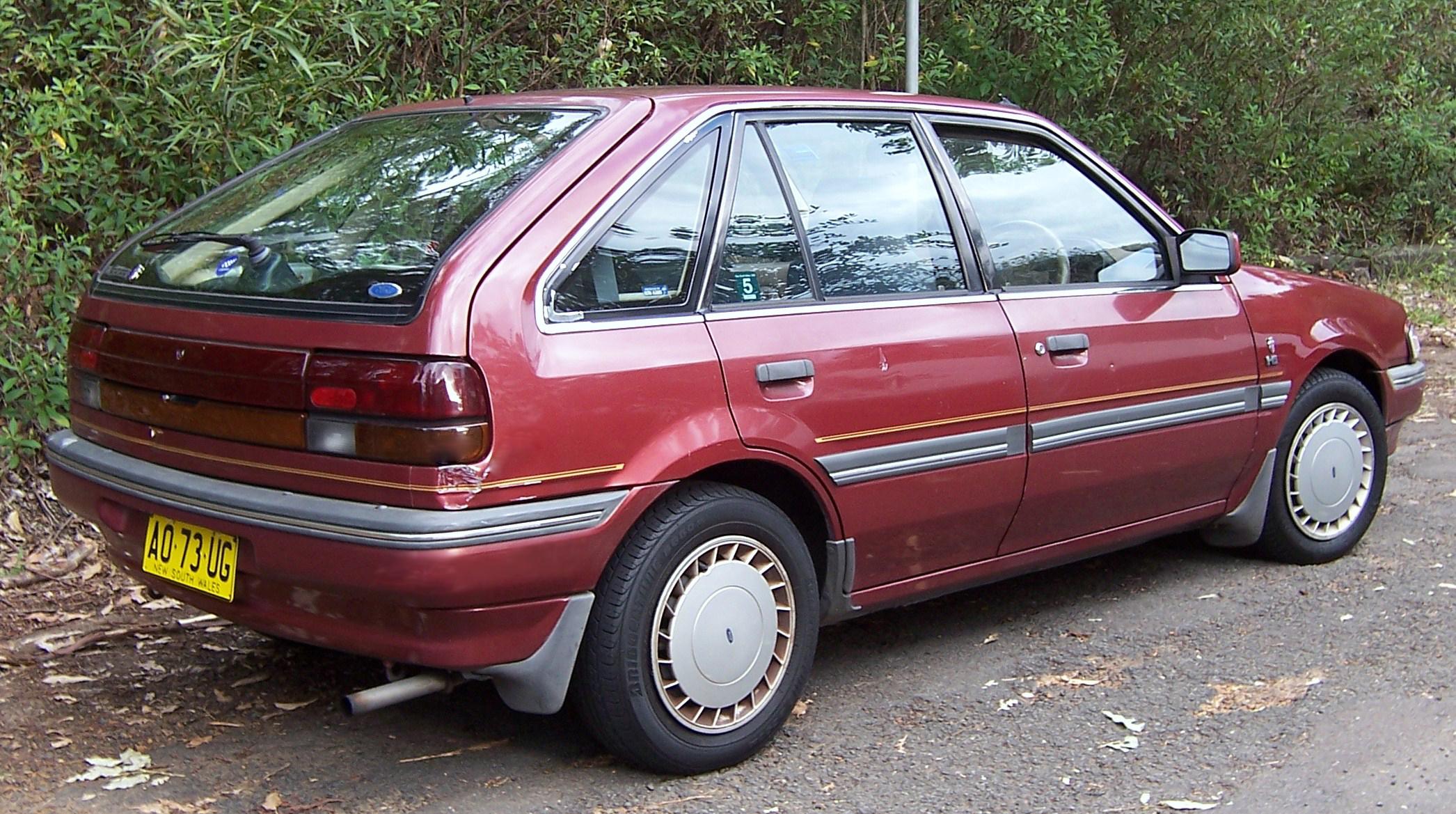 File:1987 1990_Ford_Laser_(KE)_Ghia_5 Door_hatchback_02on 1989 Toyota Corolla