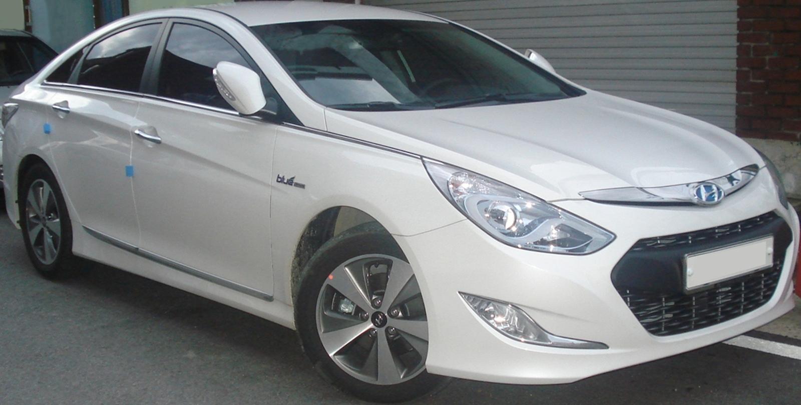 File:20110727 Hyundai Sonata Hybrid 1
