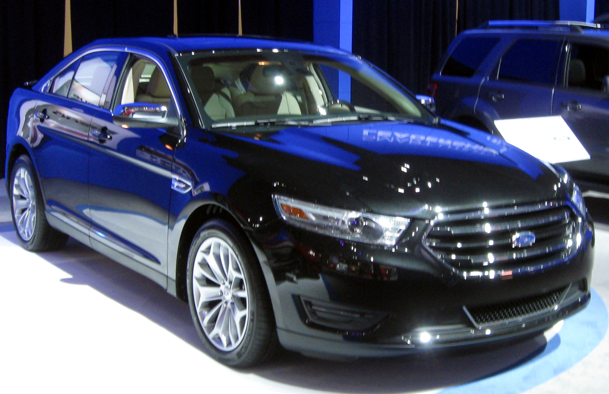 File:2013 Ford Taurus -- 2012 DC.JPG - Wikimedia Commons