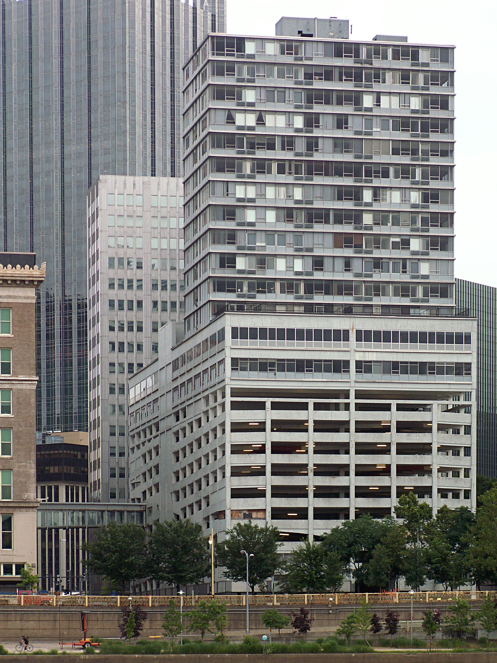 File625 Stanwix Tower Pittsburgh 2015 06 17 01