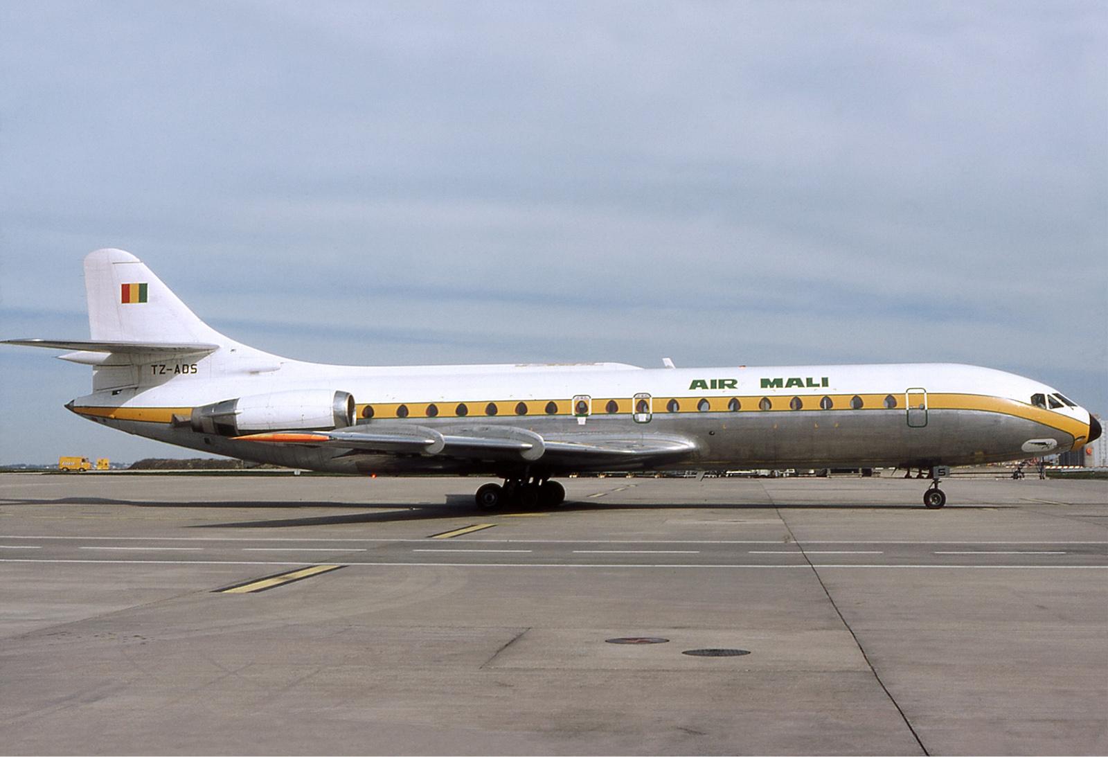 File:Air Mali Caravell...