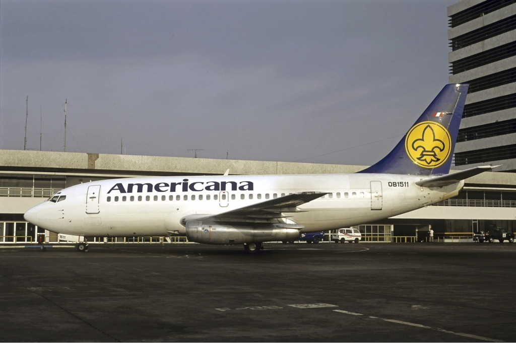 Americana_de_Aviacion_Boeing_737-200_Vol